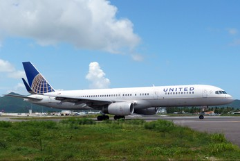 N12109 - United Airlines Boeing 757-200