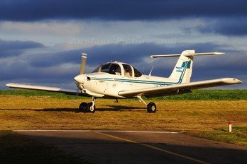 LV-OLF - Private Piper PA-38 Tomahawk