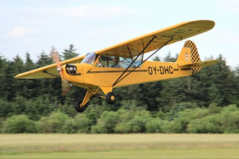 OY-DHC - Private Piper J3 Cub
