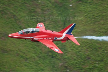 "XX264 - Royal Air Force ""Red Arrows"" British Aerospace Hawk T.1/ 1A"