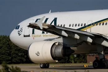 AP-BEB - PIA - Pakistan International Airlines Airbus A310