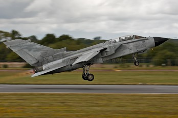 CSX7047 - Italy - Air Force Panavia Tornado - ECR