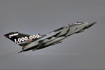 ZA547 - Royal Air Force Panavia Tornado GR.4 / 4A