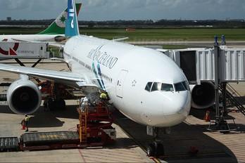 ZK-OKE - Air New Zealand Boeing 777-200ER