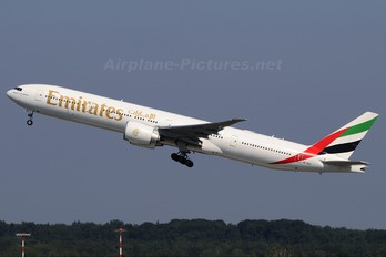 A6-EBX - Emirates Airlines Boeing 777-300ER