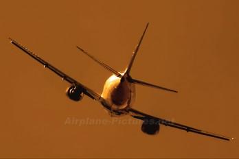 LV-BDD - Aerolineas Argentinas Boeing 737-500