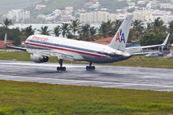 N660AM - American Airlines Boeing 757-200