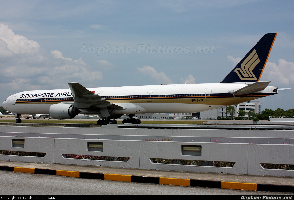 Singapore Airlines 9V-SYD aircraft at Singapore - Changi