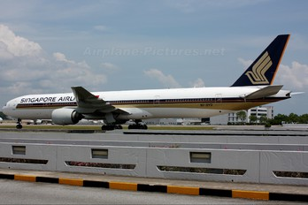 9V-SYD - Singapore Airlines Boeing 777-300