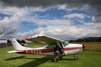 G-AXZU - Paragon Skydiving Club Cessna 182 Skylane (all models except RG)