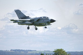 ZD743 - Royal Air Force Panavia Tornado GR.4 / 4A