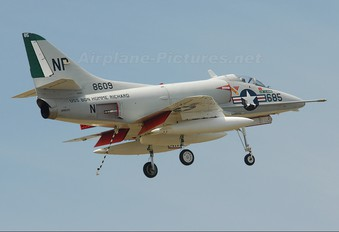 N49WH - Private Douglas A-4 Skyhawk (all models)