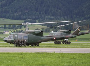 5D-HY - Austria - Air Force Bell 212