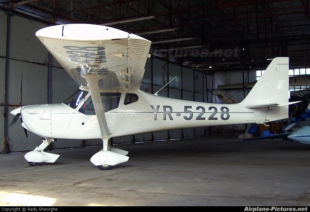 Private YR-5228 aircraft at Iasi-South