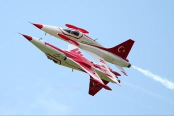 71-3048 - Turkey - Air Force : Turkish Stars Canadair NF-5A