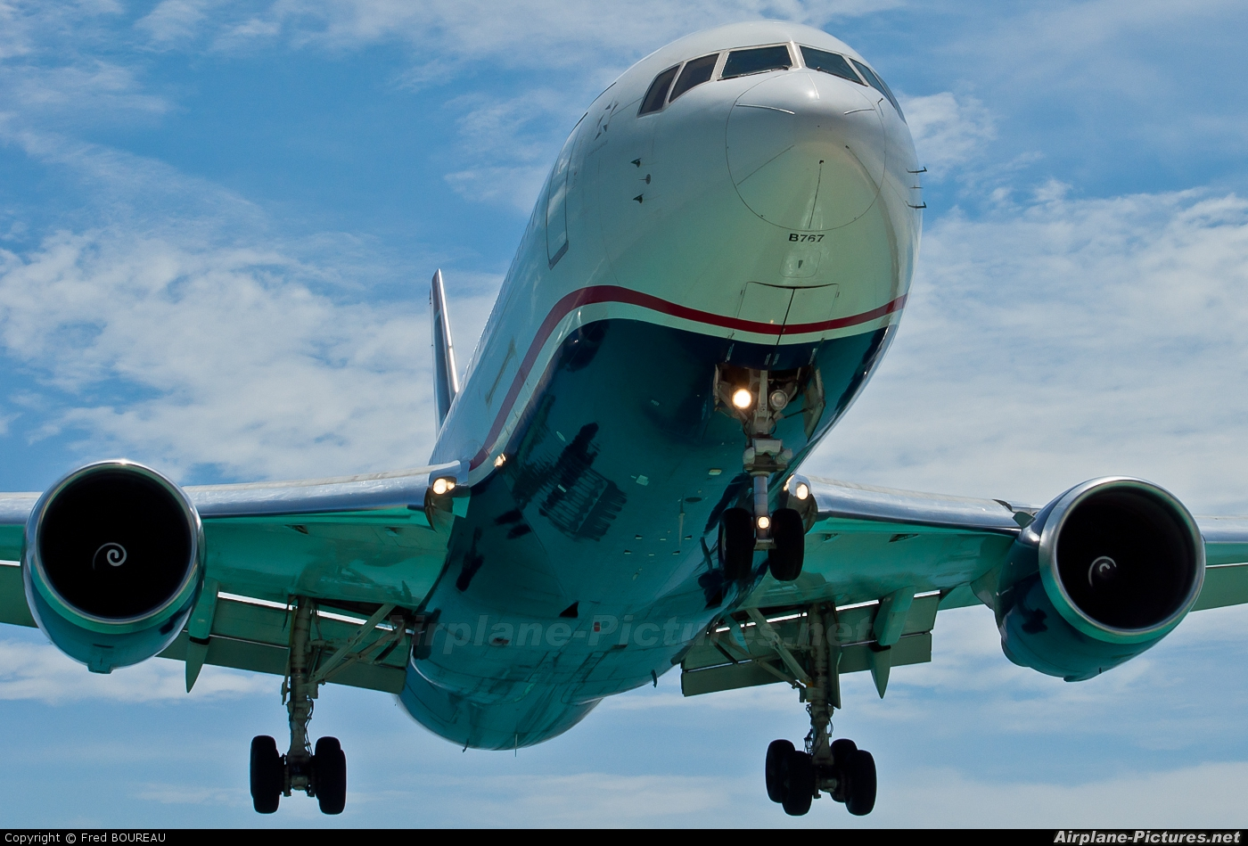 US Airways N255AY aircraft at Sint Maarten - Princess Juliana Intl