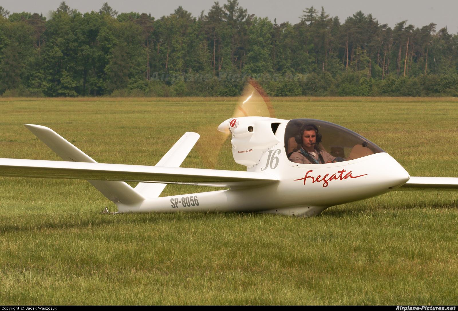 El juego de las imagenes-http://cdn.airplane-pictures.net/images/uploaded-images/2011/7/6/144904.jpg