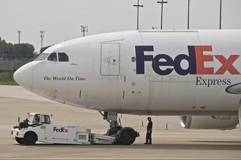 N801FD - FedEx Federal Express Airbus A310F