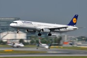 D-AISC - Lufthansa Airbus A321 aircraft