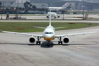 XY-AGM - Myanmar Airways International Airbus A320