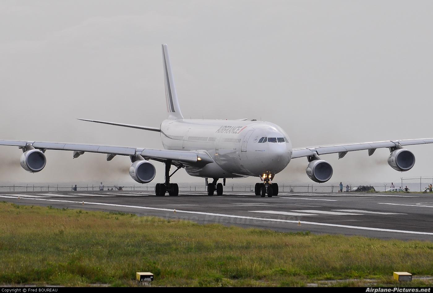 Air France F-GLZL aircraft at Sint Maarten - Princess Juliana Intl