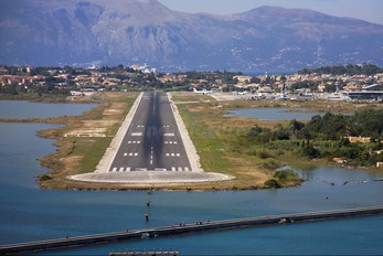 - - - Airport Overview - Airport Overview - Runway