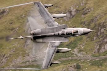 ZD811 - Royal Air Force Panavia Tornado GR.4 / 4A