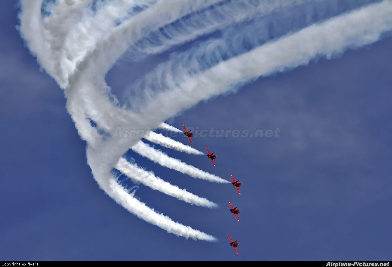 """Royal Air Force """"Red Arrows"""" XX322 aircraft at Eastbourne - Off-Airport"""