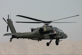 01-05210 - USA - Army Boeing AH-64 Apache