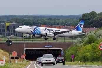 SU-GBV - Egyptair Airbus A321