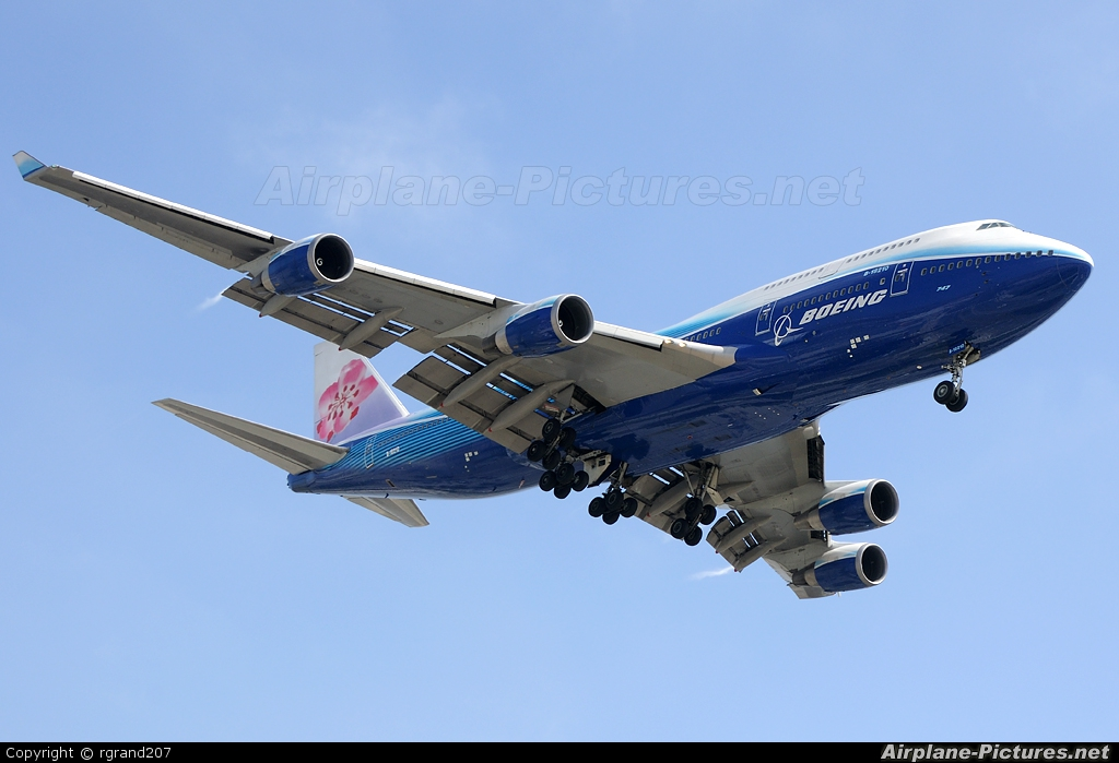 China Airlines B-18210 aircraft at Los Angeles Intl