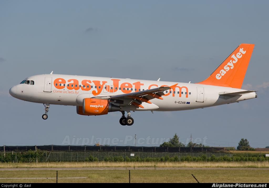easyJet G-EZAB aircraft at Verona - Villafranca
