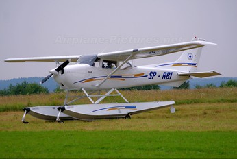SP-RBI - Private Cessna 172 Skyhawk (all models except RG)