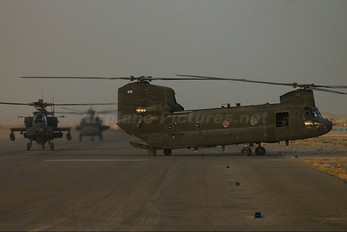 87-0070 - USA - Army Boeing CH-47D Chinook