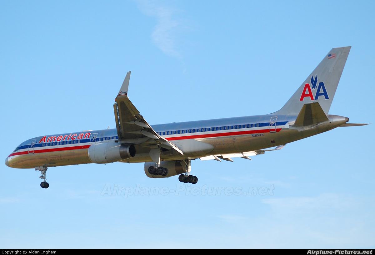 American Airlines N185AN aircraft at London - Heathrow