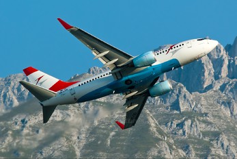 OE-LNN - Austrian Airlines/Arrows/Tyrolean Boeing 737-700