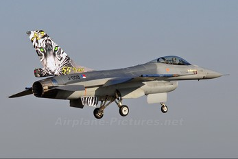 J-008 - Netherlands - Air Force General Dynamics F-16A Fighting Falcon