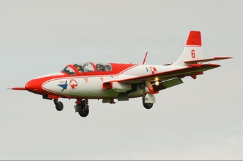- - Poland - Air Force: White & Red Iskras PZL TS-11 Iskra