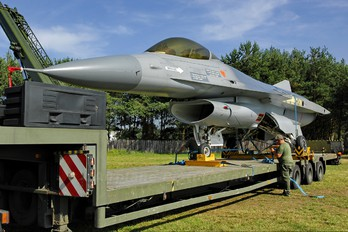 FA-05 - Belgium - Air Force General Dynamics F-16A Fighting Falcon
