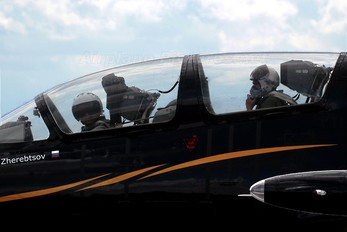 ES-TLP - Team Russ Aero L-39C Albatros