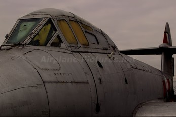 VZ634 - Royal Air Force Gloster Meteor T.7
