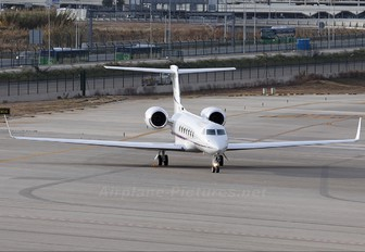 N550KF - Private Gulfstream Aerospace G-V, G-V-SP, G500, G550