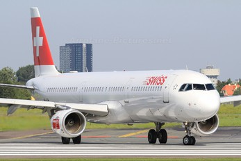 HB-IOH - Swiss Airbus A321