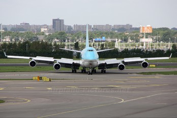HL7602 - Korean Air Cargo Boeing 747-400F, ERF