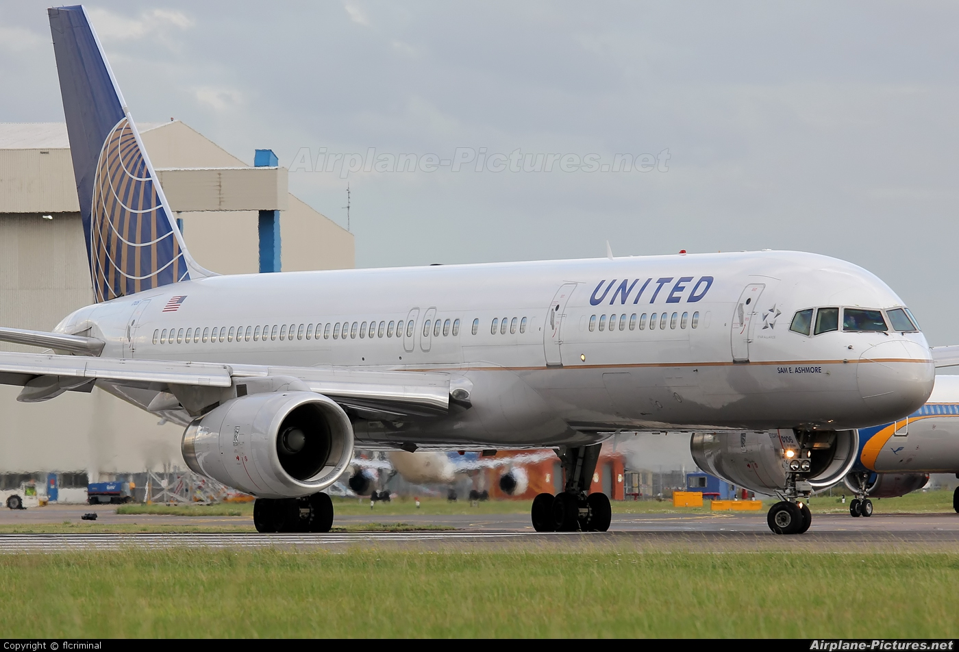 United Airlines N14106 aircraft at London - Heathrow