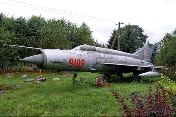 9109 - Poland - Air Force Mikoyan-Gurevich MiG-21MF
