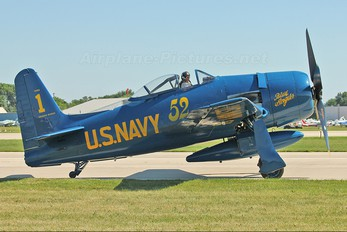 N68RW - Private Grumman F8F Bearcat