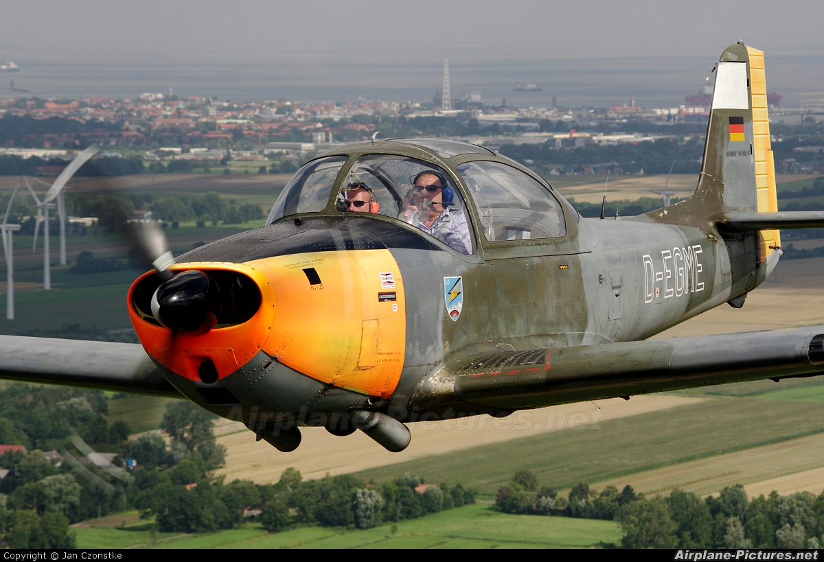 Piaggio P.149 (all models) Photos | Airplane-Pictures.net
