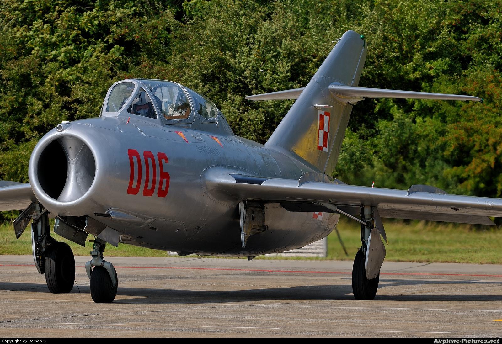 Polish Eagles Foundation SP-YNZ aircraft at Radom - Sadków