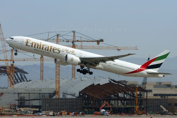 A6-ECX - Emirates Airlines Boeing 777-300ER